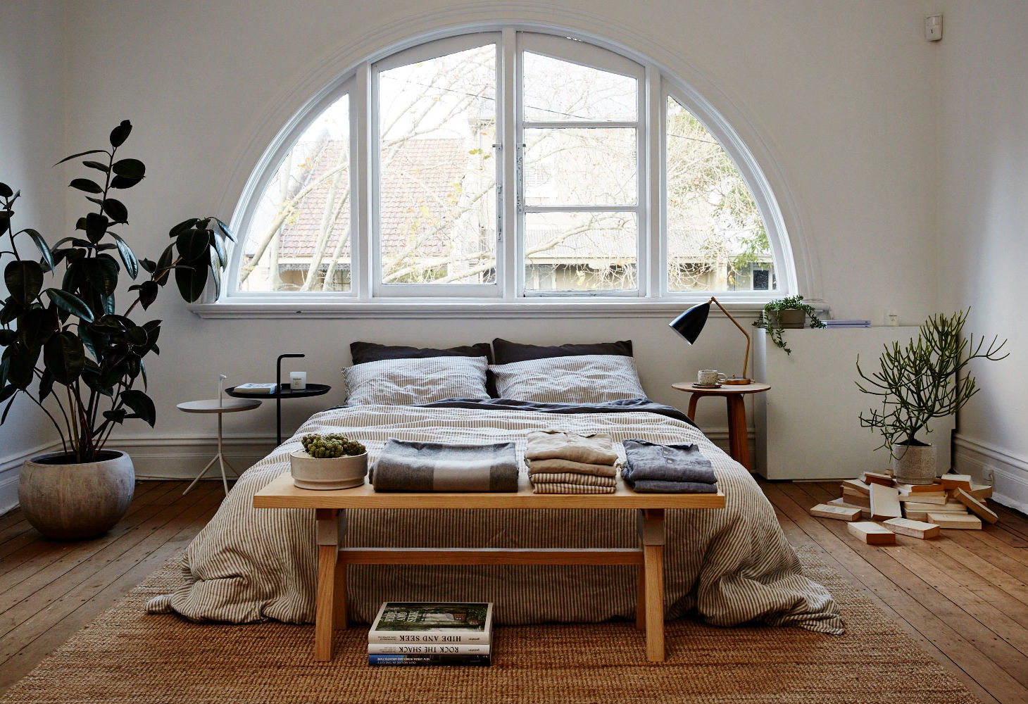 linen bedding in the IN BED pop up