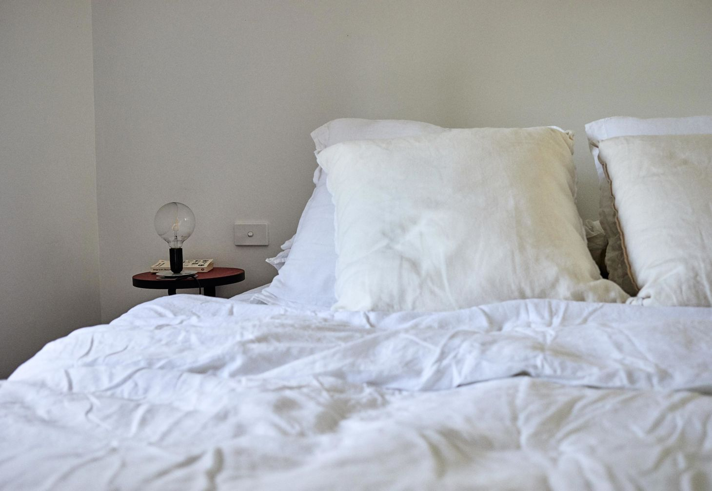Linen duvet cover and linen pillow slips in white by IN BED