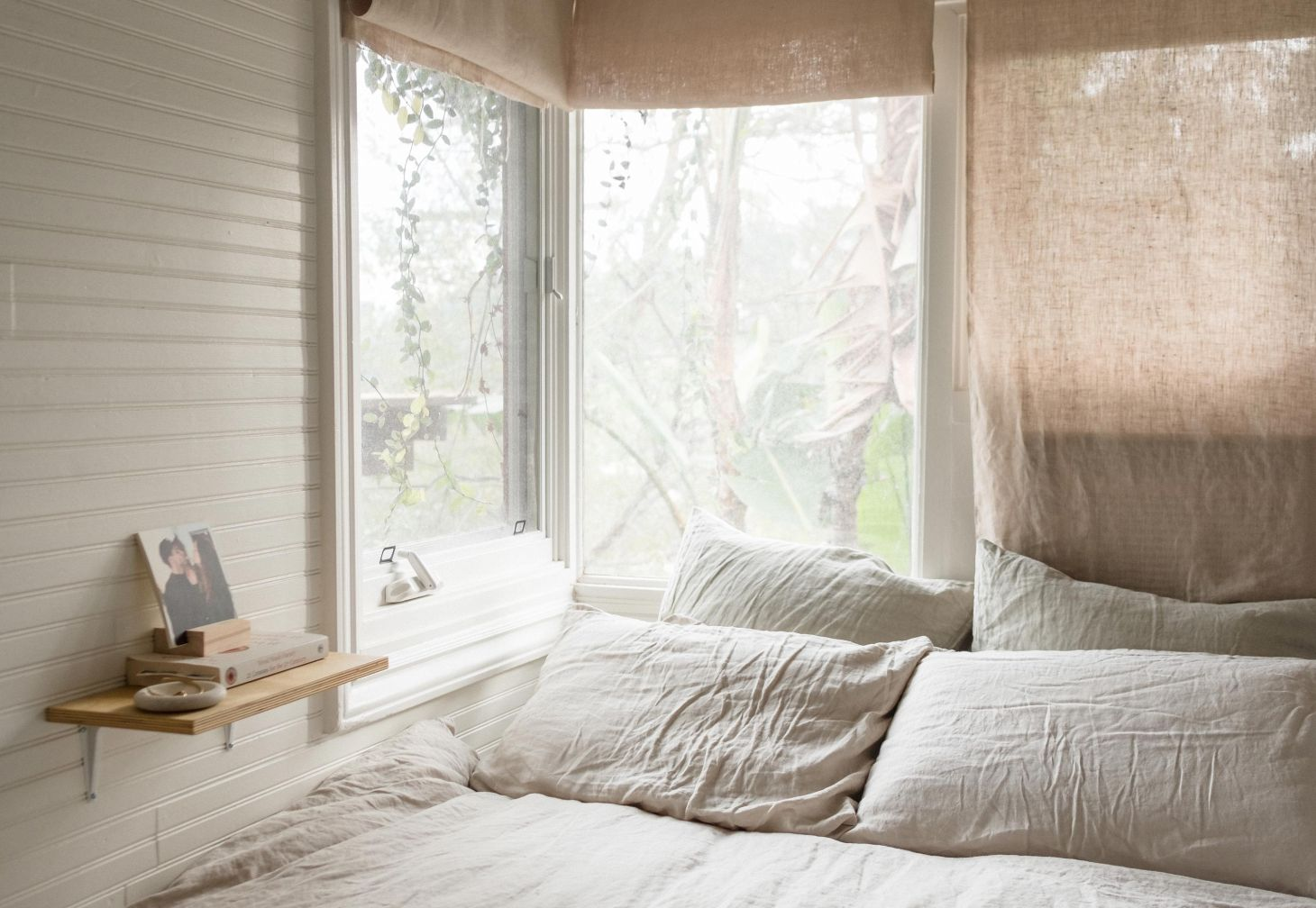 Linen duvet cover and linen pillow slips in grey & white stripes by IN BED