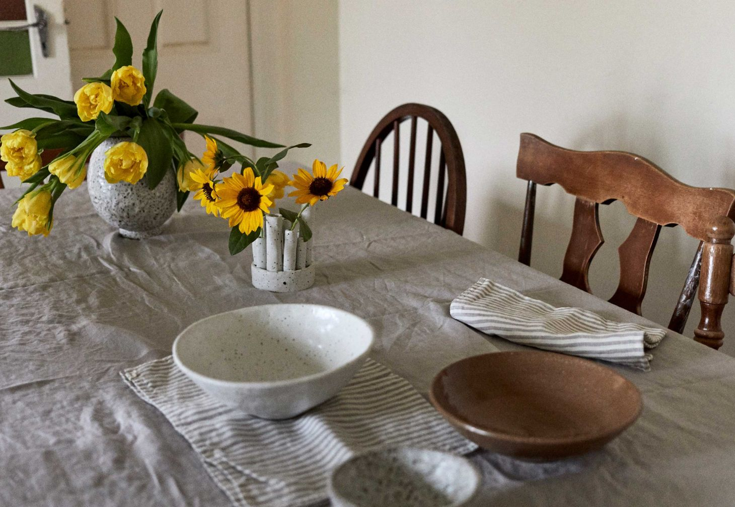 Linen tablecloths and napkins by IN BED